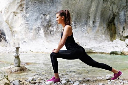 Performing shin splints stretching and exercising can help prevent shin splints